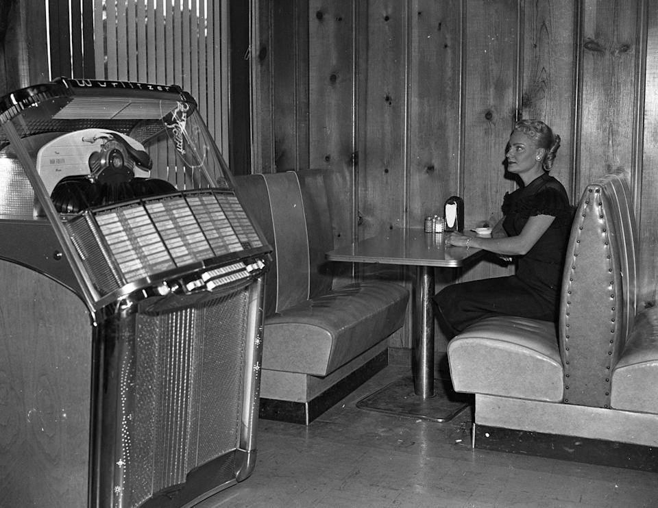 <p>If you wanted to control the tunes while you ate, you could bet there was a jukebox in the corner, waiting for your song selections. The introduction of wallboxes meant diners could do it right from their table or booth.</p>