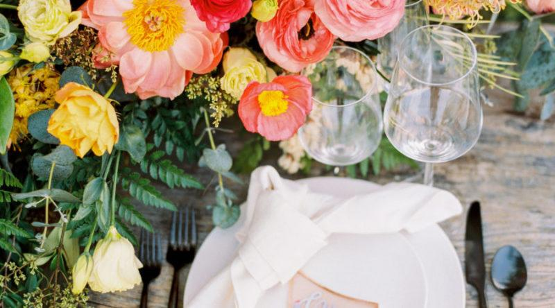 Bold Colors in Florals and Tablescapes