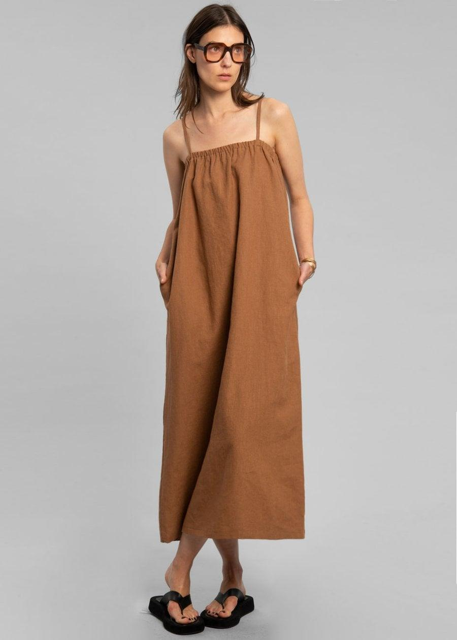 <p><span>The Frankie Shop Pera Linen Maxi Dress in Toffee</span> ($122)</p>
