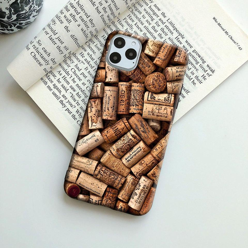 <p>How cute is this <span>Wine Cork Phone Case</span> ($20)?</p>