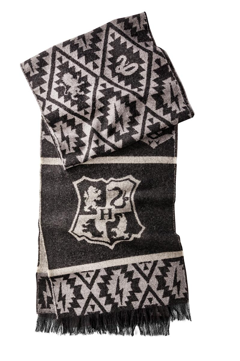 this new collection of harry potter blankets will make any. Black Bedroom Furniture Sets. Home Design Ideas