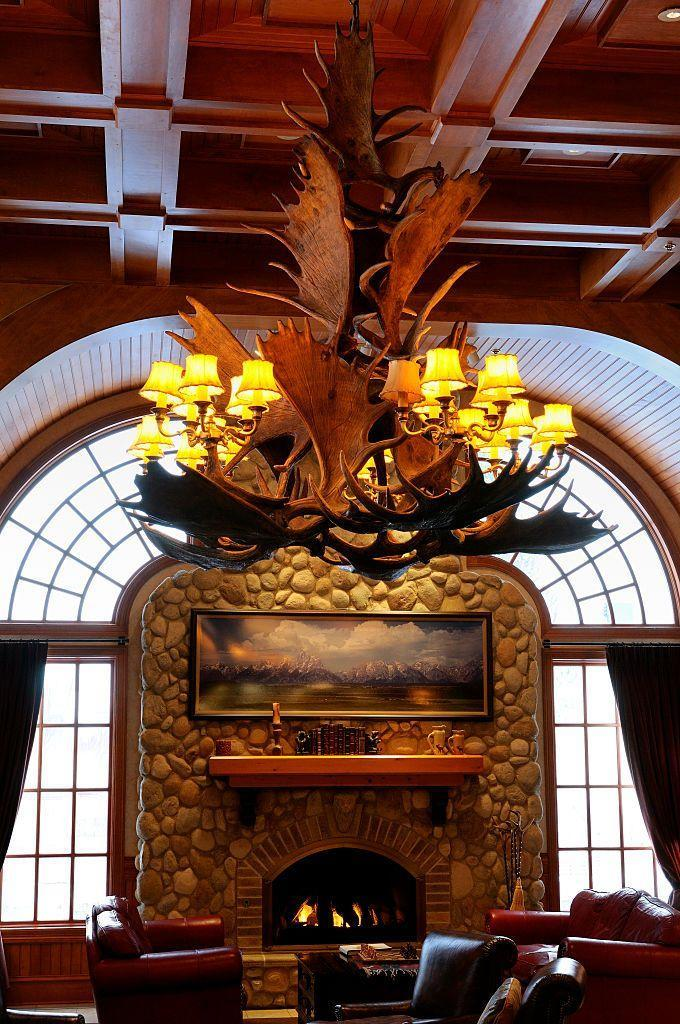 """<p><a href=""""https://lodgeatjh.com"""" rel=""""nofollow noopener"""" target=""""_blank"""" data-ylk=""""slk:The Lodge at Jackson Hole"""" class=""""link rapid-noclick-resp"""">The Lodge at Jackson Hole</a> is a great place to recharge and explore the best of nature. If you just want to lounge, there's a few spa amenities like an indoor/outdoor pool. Outside, you can take an <a href=""""https://jhsleddog.com"""" rel=""""nofollow noopener"""" target=""""_blank"""" data-ylk=""""slk:Iditarod sled-dog tour"""" class=""""link rapid-noclick-resp"""">Iditarod sled-dog tour</a> across <a href=""""https://www.nps.gov/grte/index.htm"""" rel=""""nofollow noopener"""" target=""""_blank"""" data-ylk=""""slk:Grand Teton National Park"""" class=""""link rapid-noclick-resp"""">Grand Teton National Park</a> and explore the same park by <a href=""""https://www.scenic-safaris.com/winter-jackson-wy"""" rel=""""nofollow noopener"""" target=""""_blank"""" data-ylk=""""slk:snowmobile"""" class=""""link rapid-noclick-resp"""">snowmobile</a>. If the weather is warmer, you can take a guided <a href=""""http://heartsix.com"""" rel=""""nofollow noopener"""" target=""""_blank"""" data-ylk=""""slk:horseback tour"""" class=""""link rapid-noclick-resp"""">horseback tour</a> of Buffalo Valley. </p>"""