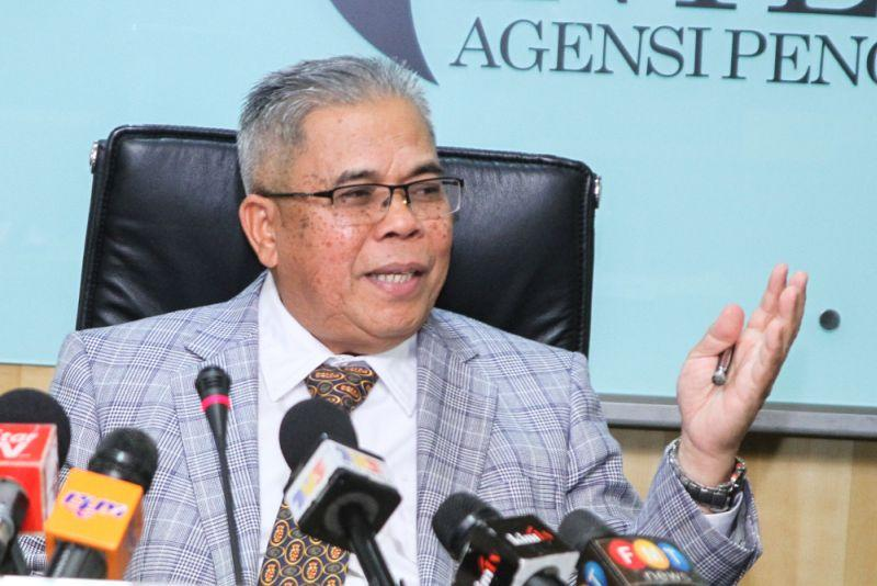 Datuk A. Aziz A. Rahim said that the commission's finding was never classified as confidential and was in fact published and uploaded in all EAIC's media platform. ― Picture by Shafwan Zaidon