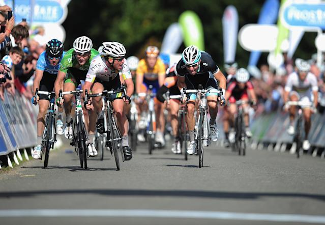SANDRINGHAM, ENGLAND - SEPTEMBER 17: Mark Cavendish (3rd R) of Great Britain and team HTC Highroad leads the sprint peloton during the Tour of Britain Stage Seven between Bury St Edmunds and Sandringham on September 17, 2011 in Sandringham, England. (Photo by Jamie McDonald/Getty Images)