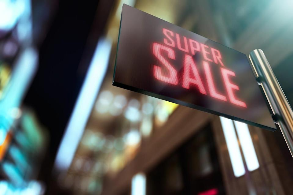 4 Top Value Stocks on Sale to Buy Right Now