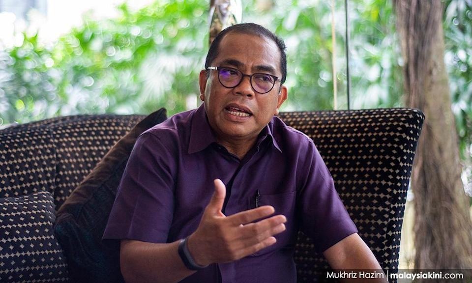 Citing 'golden children' who flout SOPs, Umno veep says 'half-baked' MCO won't work