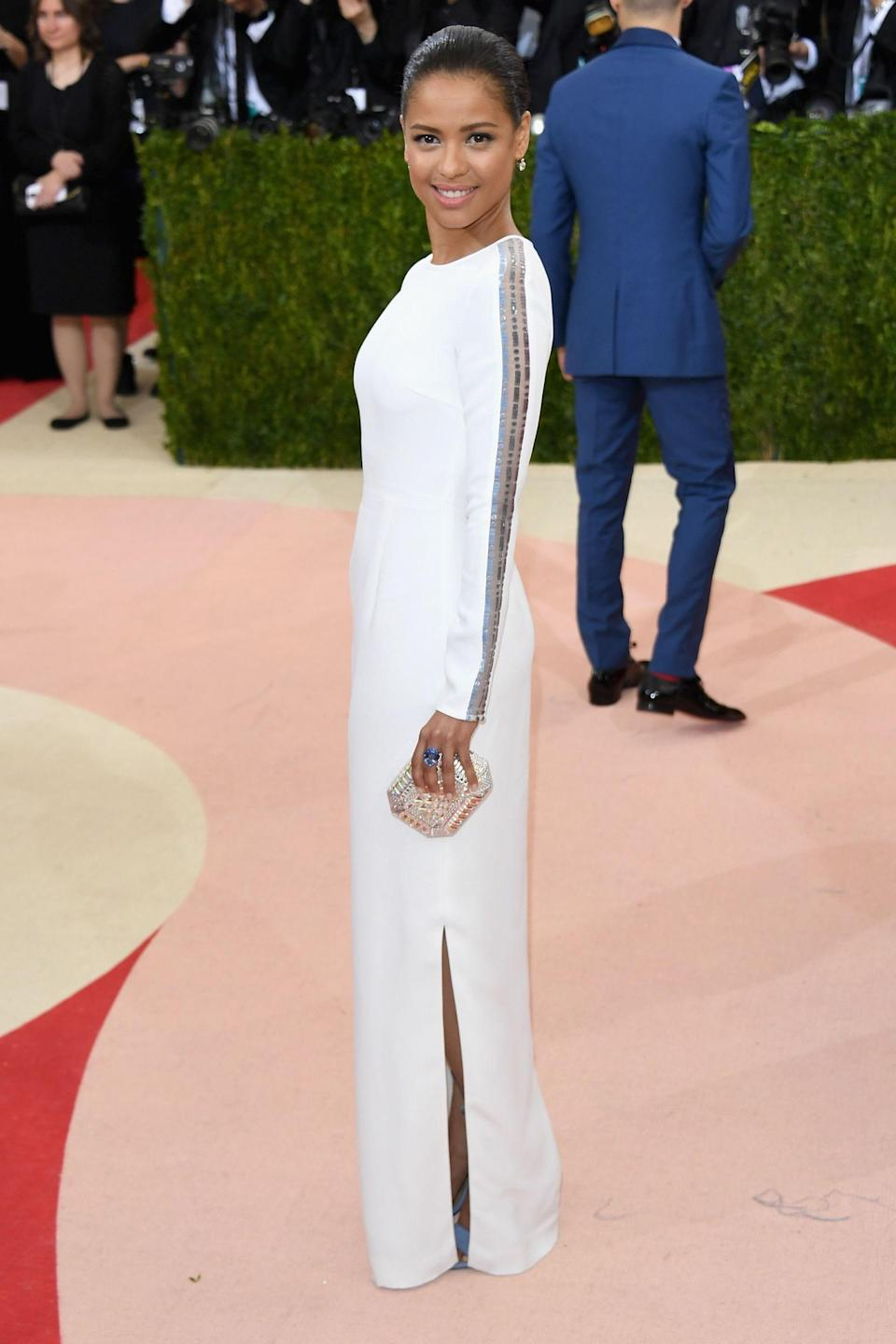 """<h1 class=""""title"""">Gugu Mbatha-Raw in a Gabriela Hearst dress, Fred Leighton jewelry, and Judith Leiber Couture bag</h1> <cite class=""""credit"""">Photo: Getty Images</cite>"""