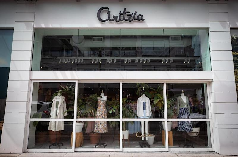 Q-and-A: More showrooms, digital mirrors among ways COVID-19 may change retail