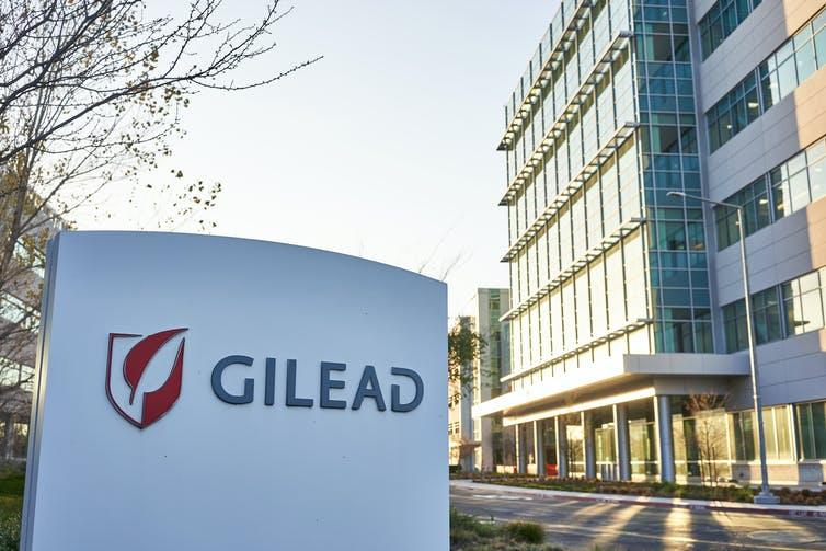"""<span class=""""caption"""">American research-based biotechnology company Gilead Sciences.</span> <span class=""""attribution""""><a class=""""link rapid-noclick-resp"""" href=""""https://www.shutterstock.com/image-photo/foster-city-ca-usa-feb-8-1667251990"""" rel=""""nofollow noopener"""" target=""""_blank"""" data-ylk=""""slk:Shitterstock/TadaImages"""">Shitterstock/TadaImages</a></span>"""