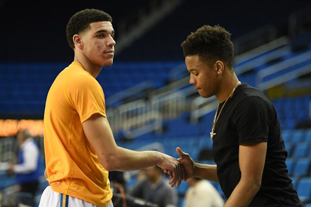 "Is it possible that <a class=""link rapid-noclick-resp"" href=""/ncaab/players/136151/"" data-ylk=""slk:Lonzo Ball"">Lonzo Ball</a> and <a class=""link rapid-noclick-resp"" href=""/ncaab/players/136166/"" data-ylk=""slk:Markelle Fultz"">Markelle Fultz</a> won't be the top two picks in the 2017 NBA draft after all? (Getty Images)"