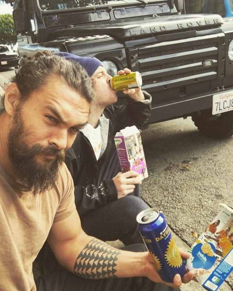 Jason Momoa S Fancy Ride Breaks Down But Beer And Girl Scout