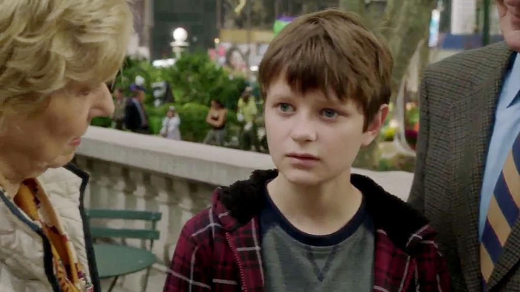 Charlie Tahan reprises his role of Calvin Arliss in the fifth episode. Calvin returns to NYC to spend Halloween with Det. Benson.