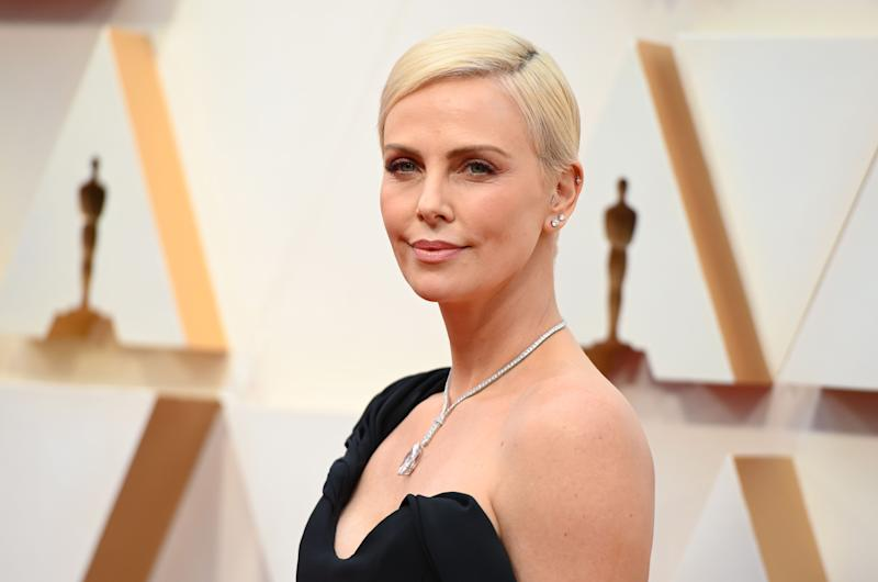 US-South African actress Charlize Theron arrives for the 92nd Oscars at the Dolby Theatre in Hollywood, California on February 9, 2020. (Photo by Robyn Beck / AFP) (Photo by ROBYN BECK/AFP via Getty Images)