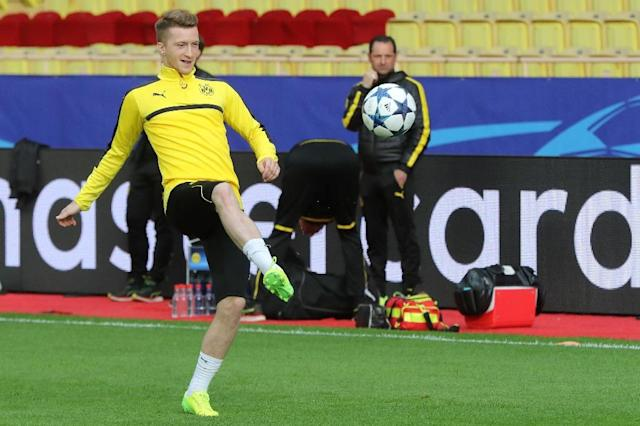 "Dortmund's Marco Reus takes part in a training session on the eve of the UEFA Champions League football match Monaco vs Dortmund on April 18, 2017 at the ""Louis II Stadium"" in Monaco (AFP Photo/VALERY HACHE)"