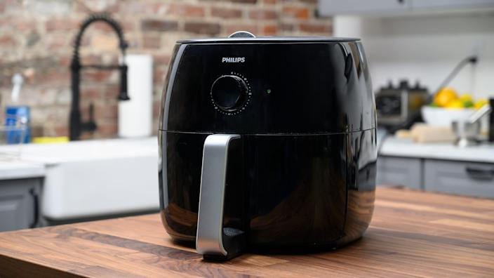 Best gifts for mom: Air fryer
