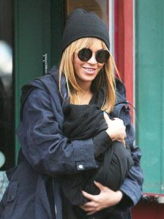 PIC: Beyonce Knowles, Jay-Z Take Blue Ivy to Lunch in NYC
