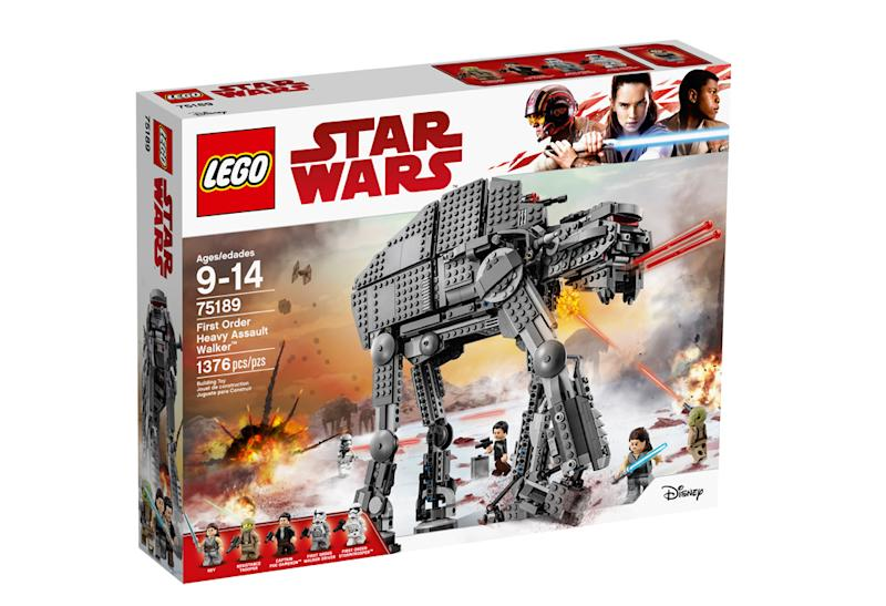 7e7ed194c6e7d Star Wars  Force Friday  Up close with Lego s  The Last Jedi ...