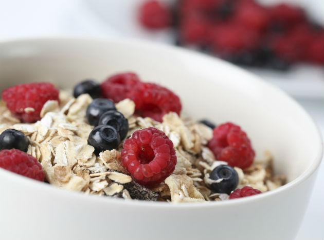 <b>Sunday  </b><br><b><br>Breakfast</b>: Muesli with skimmed milk or chapati with cheese, tomato slice. <br><b>Lunch</b>: Rice, salads, vegetables. <br><b>Dinner</b>: Grilled chicken, chapati, pineapple slices.  <br><b>Tip</b>: Drink lots of water to lose weight fast.  Make sure to consult your doctor before starting any diet plan. Denying food to your body is not the solution to lose weight. Instead choose your menu carefully and see the pounds drop slowly yet steadily!