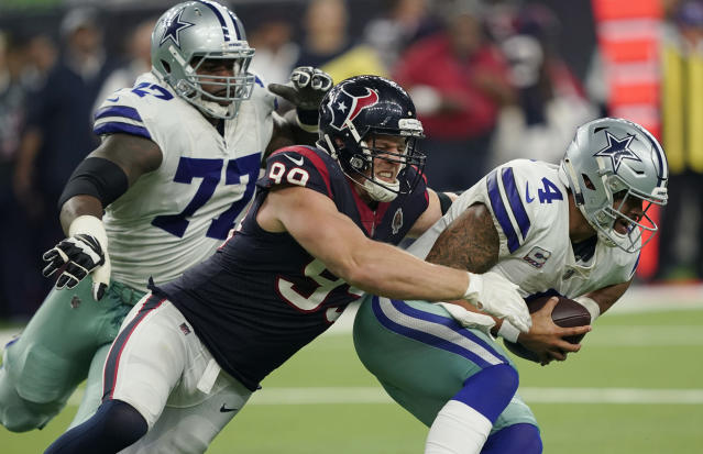 Allen Hurns hedged on placing blame for the Cowboys offense on Dak Prescott. (AP)