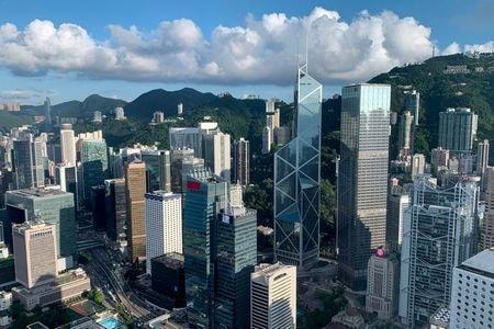 Hong Kong's Mom-and-Pop Investors Squeeze Funds as IPOs Sizzle