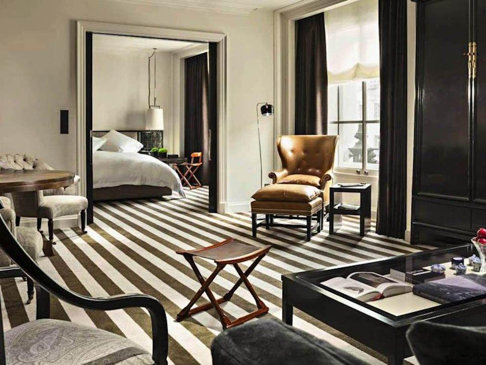 <p><strong>The Rooms:</strong></p><p>The Rosewood's interior doesn't have as much of the modern art feel of the Sanderson's, but nevertheless brings a contemporary touch to the stately majesty of London's more traditional luxury venues. </p><p><strong>The Top Tip:</strong> the Grand Manor House Wing, accessed via a private elevator and its own street entrance, it is the only hotel suite in the world to have its own postcode (as well as six bedrooms and its own library).</p>