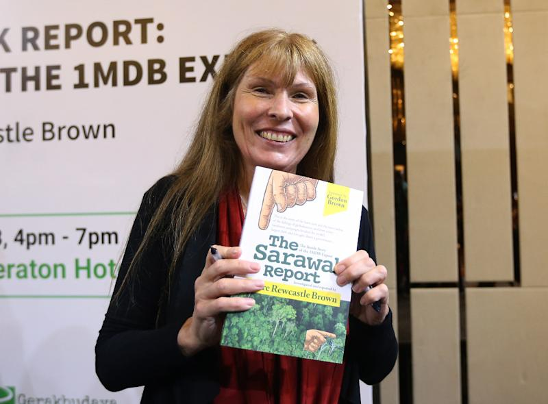Author and journalist Clare Rewcastle-Brown poses at the launch of 'The Sarawak Report' book in Petaling Jaya September 8, 2018. — Picture by Razak Ghazali