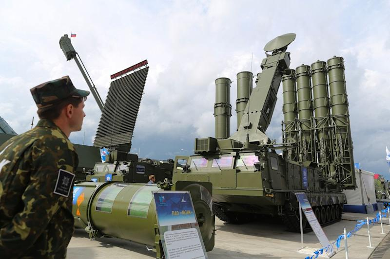 Russia to Give Syria Missile Systems in Defiance of Israel