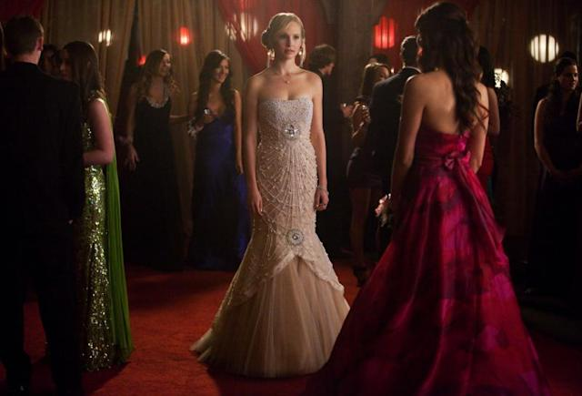 """Pictures of You"" -- Candice Accola as Caroline and Nina Dobrev as Elena (back to camera)"