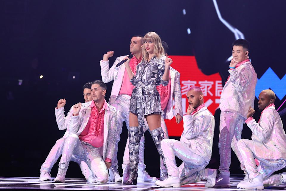 SHANGHAI, CHINA - NOVEMBER 10: Singer Taylor Swift performs on the stage during the gala of 2019 Alibaba 11.11 Global Shopping Festival at Mercedes-Benz Arena on November 10, 2019 in Shanghai, China. (Photo by VCG/VCG via Getty Images)