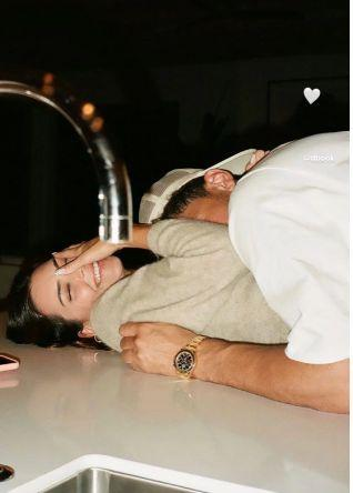 Kendall Jenner and Devin Booker get cuddly on Valentine's Day. (Photo: Screen Shot/Kendall Jenner Instagram)