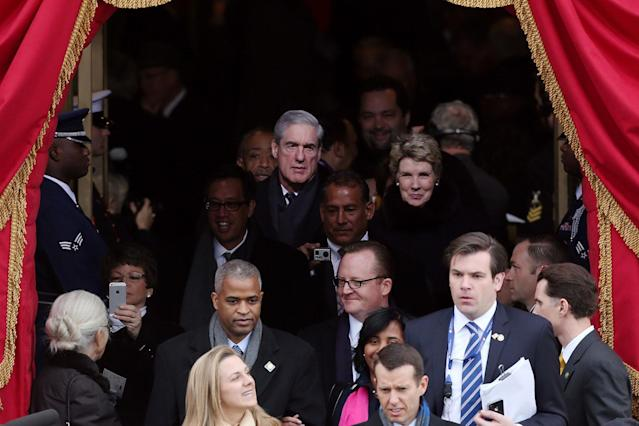 <p>FBI Director Robert Mueller (top L) arrives during the presidential inauguration on the West Front of the U.S. Capitol January 21, 2013 in Washington. Barack Obama was re-elected for a second term as President of the United States. (Photo: Justin Sullivan/Getty Images) </p>