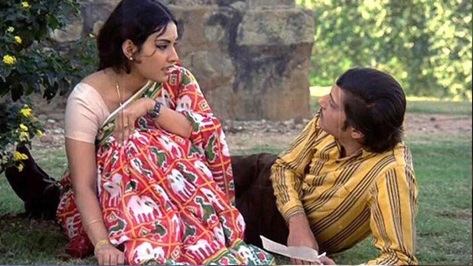 Basu Chatterjee's Rajnigandhi narrates a simple story of everyday characters, a story that can be yours or mine. This simplicity, atypical of Basu Chatterjee's movies, is the very USP of it. We can't think of one director in present day Bollywood who can recreate that freshness without artificial settings and designer outfit.