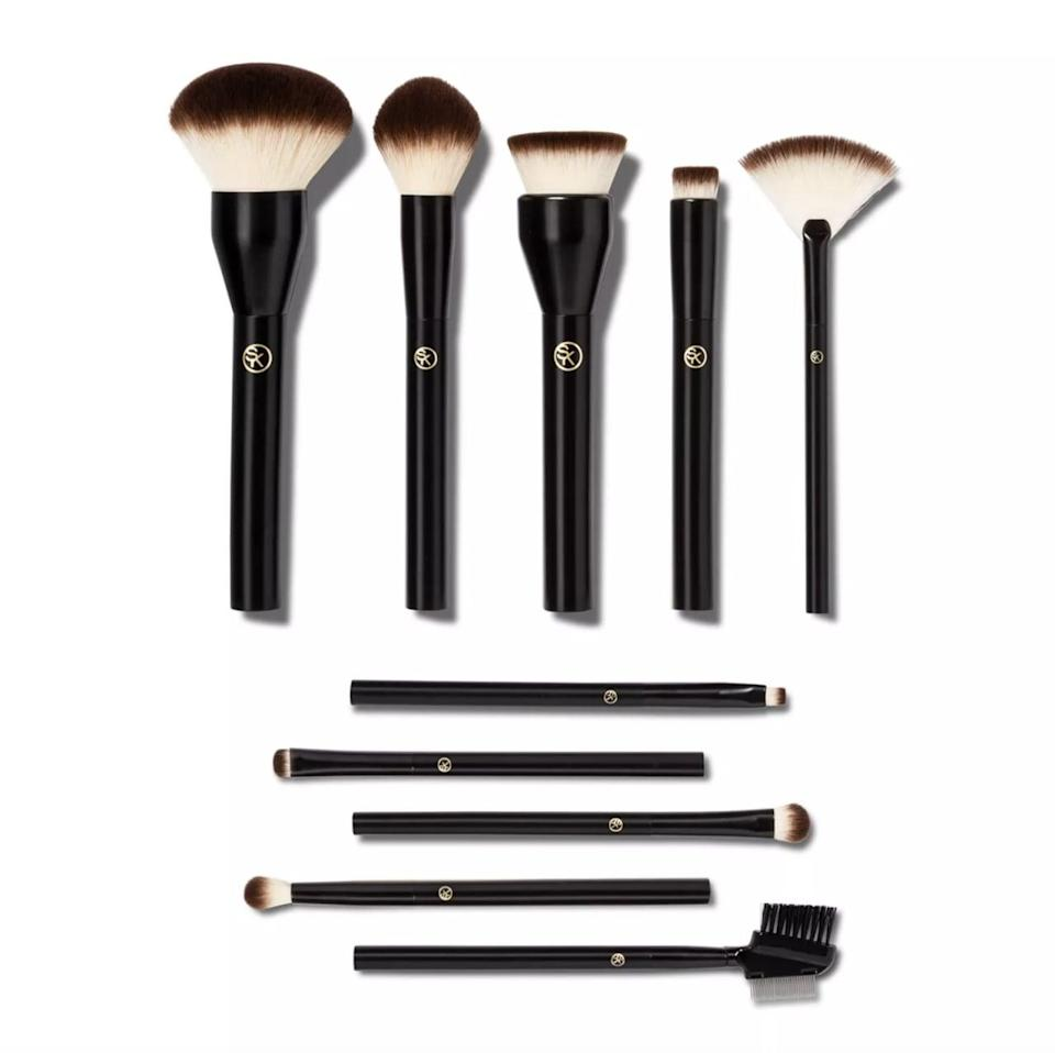 <p>From makeup newbies to professional beauty vloggers, the <span>Sonia Kashuk Essential Collection Complete Makeup Brush Set</span> ($40) is a must have.</p>