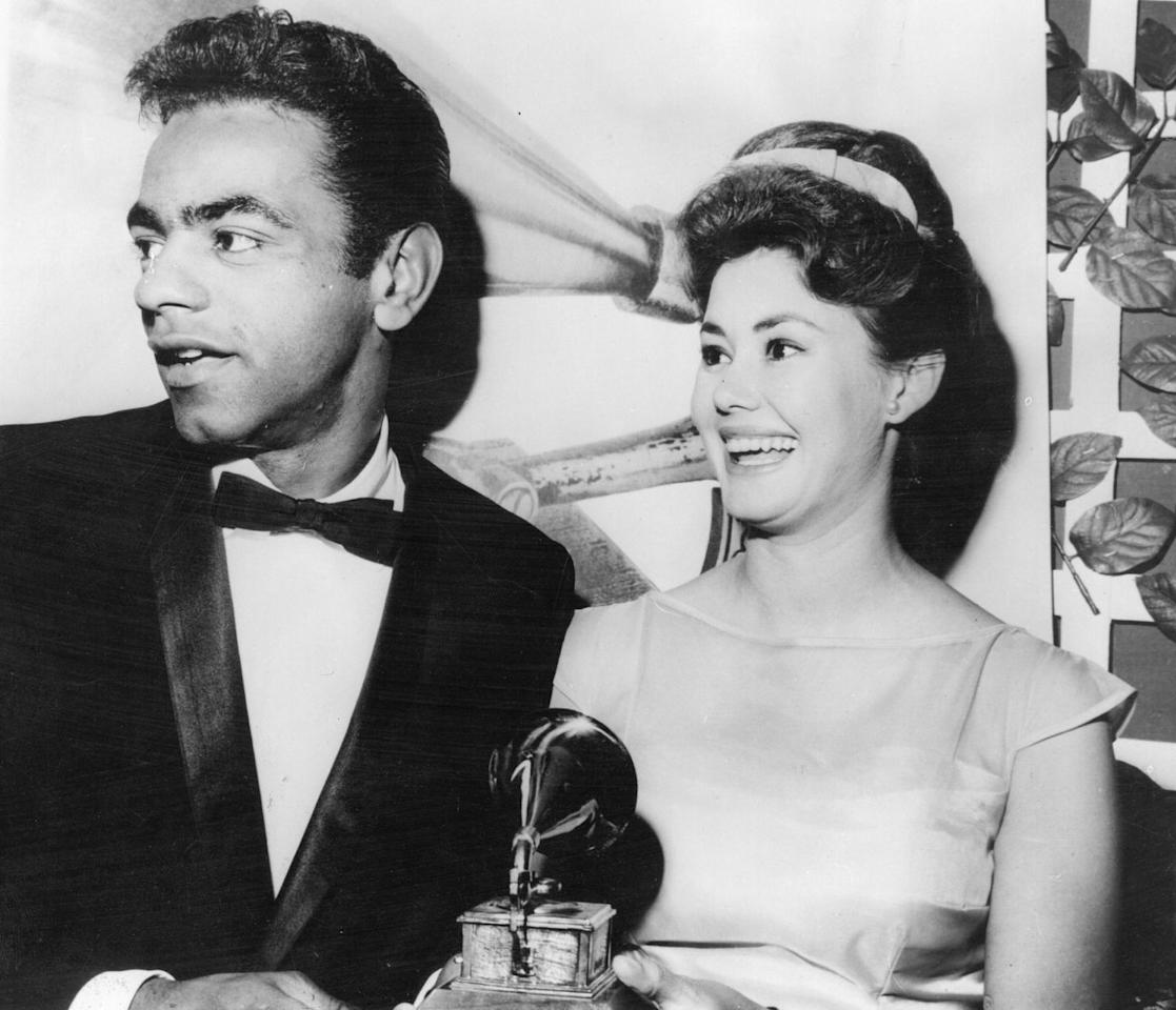 <p>Singers Johnny Mathis and Roberta Shore at the fifth annual dinner for the Grammy Awards.</p>