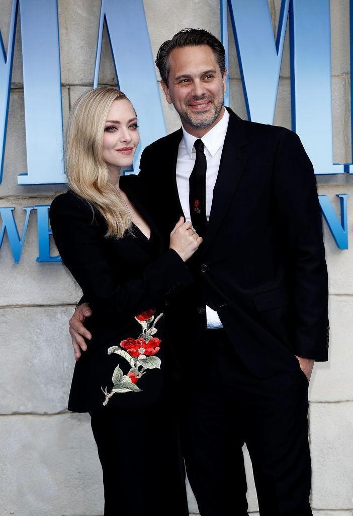 Amanda Seyfried and Thomas Sadoski attend the U.K. premiere of <em>Mamma Mia! Here We Go Again</em> on July 16 in London. (Photo: John Phillips/Getty Images)