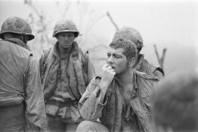 <p>American troops on Hill Timothy during an action against the Viet Cong, Vietnam War, April 1968. (Photo: Terry Fincher/Daily Express/Hulton Archive/Getty Images) </p>