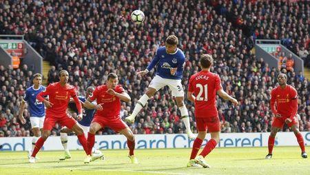 Britain Soccer Football - Liverpool v Everton - Premier League - Anfield - 1/4/17 Everton's Mason Holgate shoots at goal Action Images via Reuters / Carl Recine Livepic