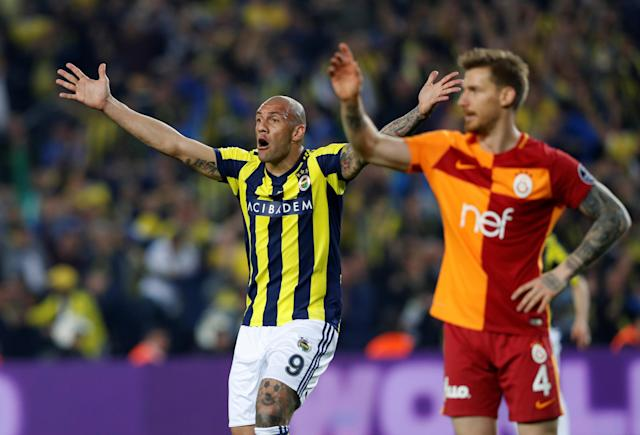 Soccer Football - Turkish Super League - Fenerbahce S.K vs Galatasaray - Sukru Saracoglu Stadium, Istanbul, Turkey - March 17, 2018 Fenerbahce's Fernandao reacts REUTERS/Murad Sezer