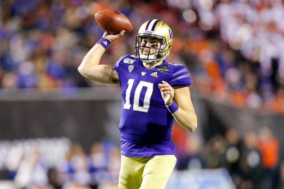 Washington QB Jacob Eason has a great arm, but his footwork also will matter at the NFL scouting combine. (Photo by Jordon Kelly/Icon Sportswire via Getty Images)