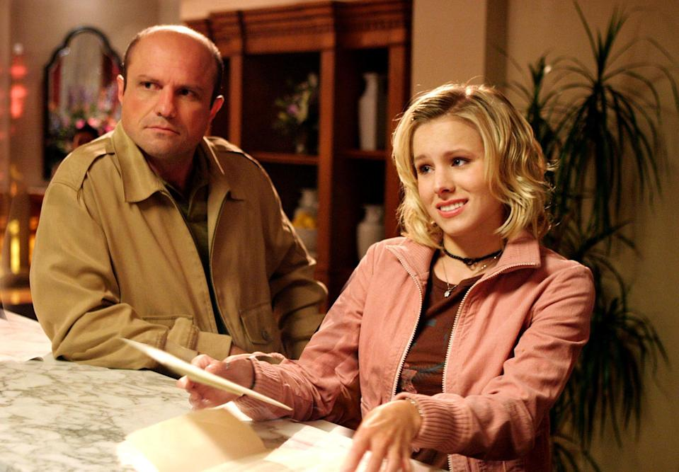 Enrico Colantoni and Kristen Bell looking confused