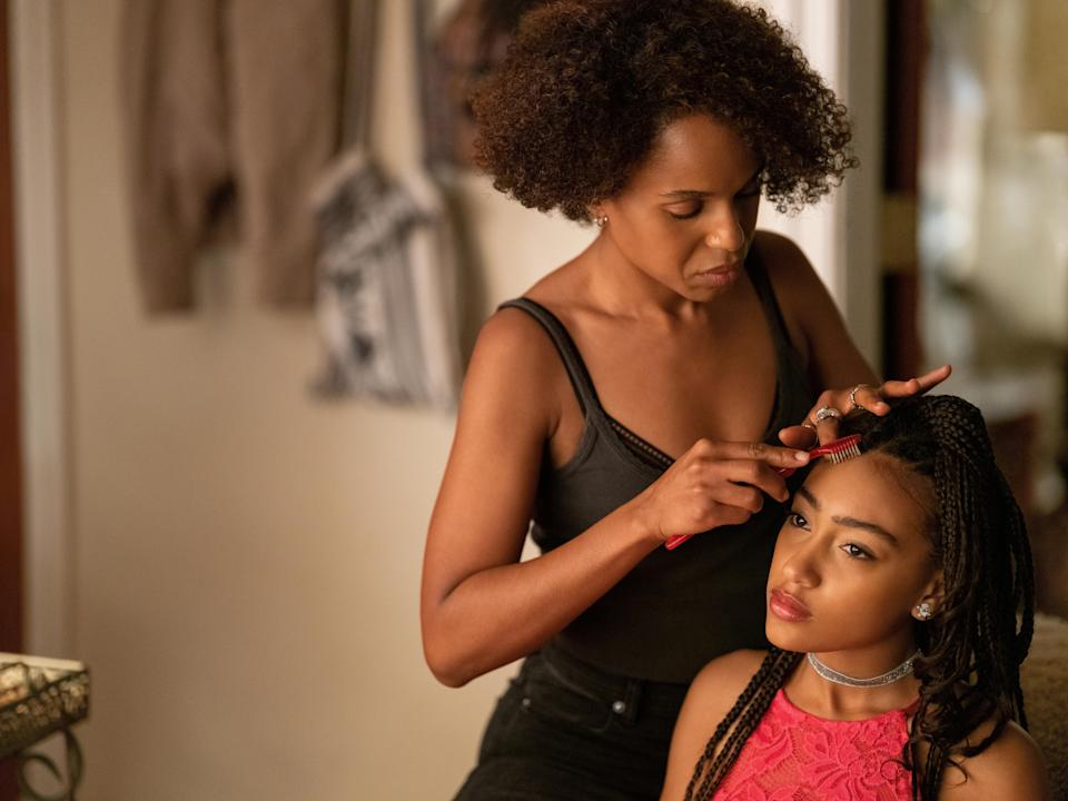 """Kerry Washington and Lexi Underwood star as Mia and Pearl Warren in Hulu's adaptation of Celeste Ng's novel """"Little Fires Everywhere."""" (Photo: Hulu)"""