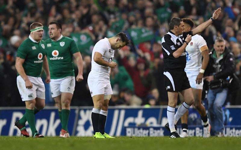 A dejected Danny Care (C) reacts as Referee Jerome Garces of France blows the final whistle - 2017 Getty Images