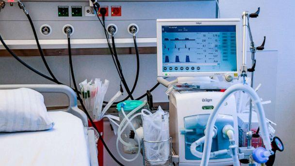 PHOTO: A ventilator is pictured during an instruction session with doctors at the Universitaetsklinikum Eppendorf in Hamburg, Germany, March 25, 2020. (Axel Heimken/POOL via Getty Images)