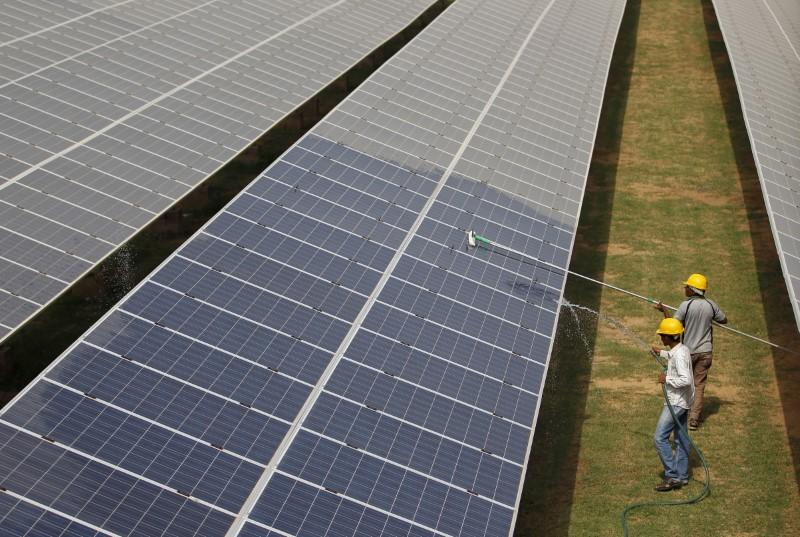 Plunging cost of wind and solar marks turning point in energy transition - IRENA
