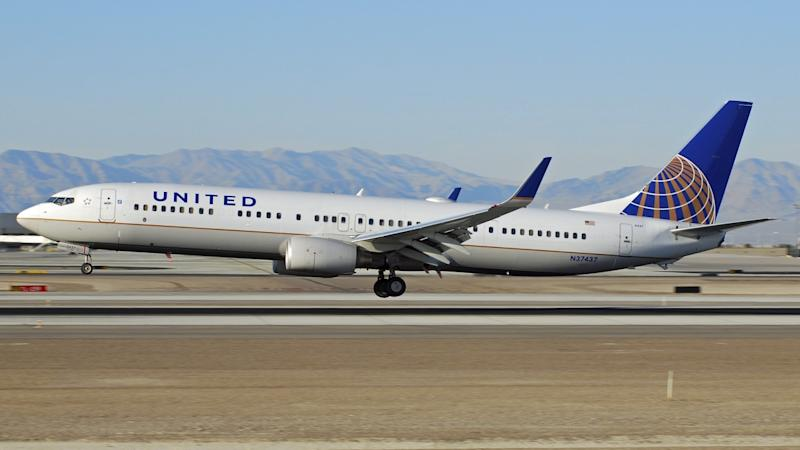 Trade war hits demand but United Airlines sticks with US-China routes