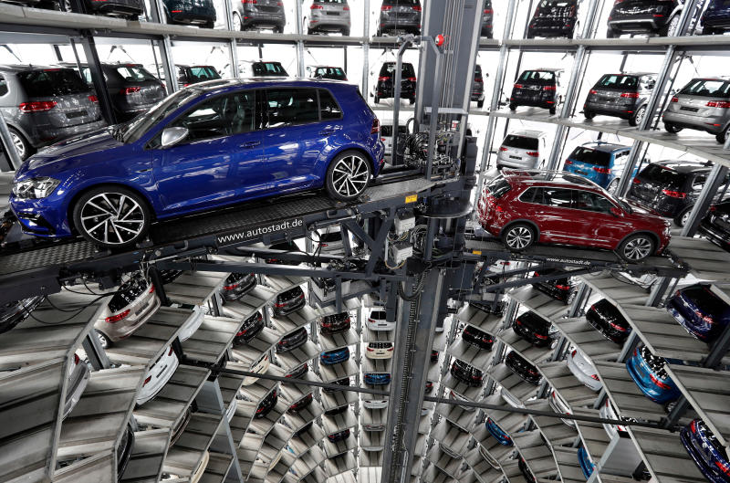 Profit slips at Volkswagen after accounting change