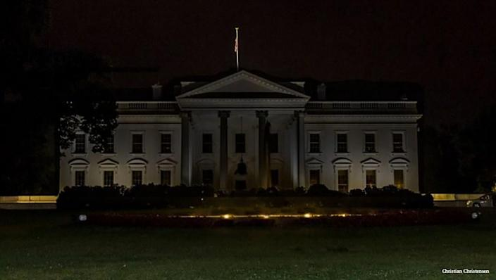 WHY DOES THE WHITE HOUSE GO DARK EVERY NIGHT @11PM – WHILE THE CASTLE ROCK 'DEEP FAKE' STAYS LIT UP?