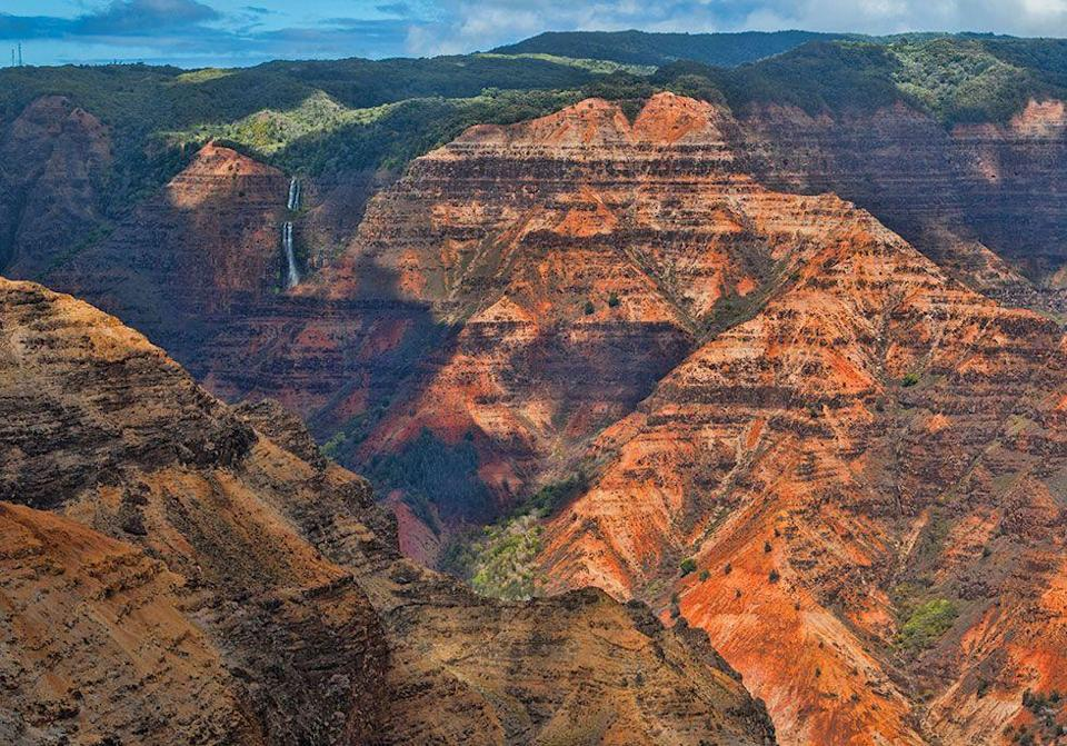 <p>The red cliffs of Waimea Canyon State Park in Kauai, HI // December 05, 2016</p>