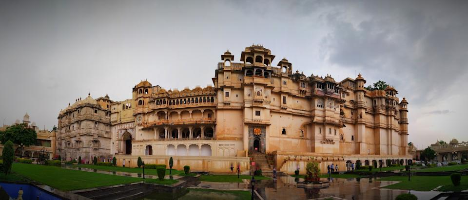 Panoramic view of Famous City palace of Udaipur built by King of Mewar dynasty 400 years ago.