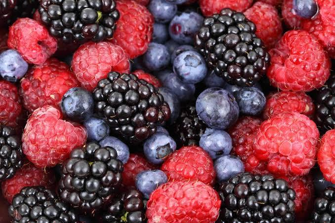 Berries have long been well-known for their benefits, especially weight loss. An ideal snack to leave you feeling satisfied without the guilt of binging, blueberries and raspberries are rich in antioxidants. They not only aid in weight loss but also contain fiber, vitamins and minerals that leave you healthier and happier every day!